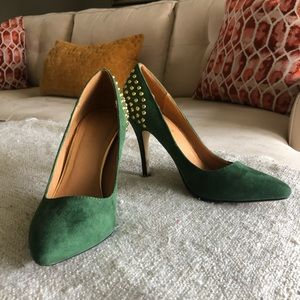 SHOEDAZZLE Green Faux Suede Pump